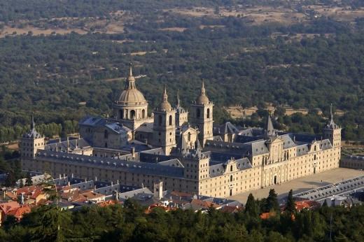 замок-монастырь Эскориал