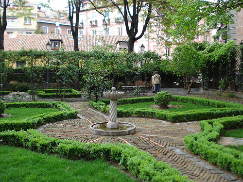 Principe de Anglona Garden in Madrid