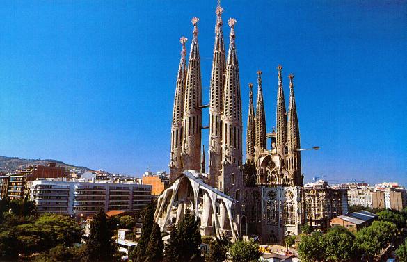 Sagrada-Familia-barcelona-spania