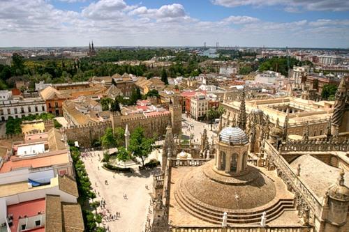 Вид с Башни Хиральда в Севилье