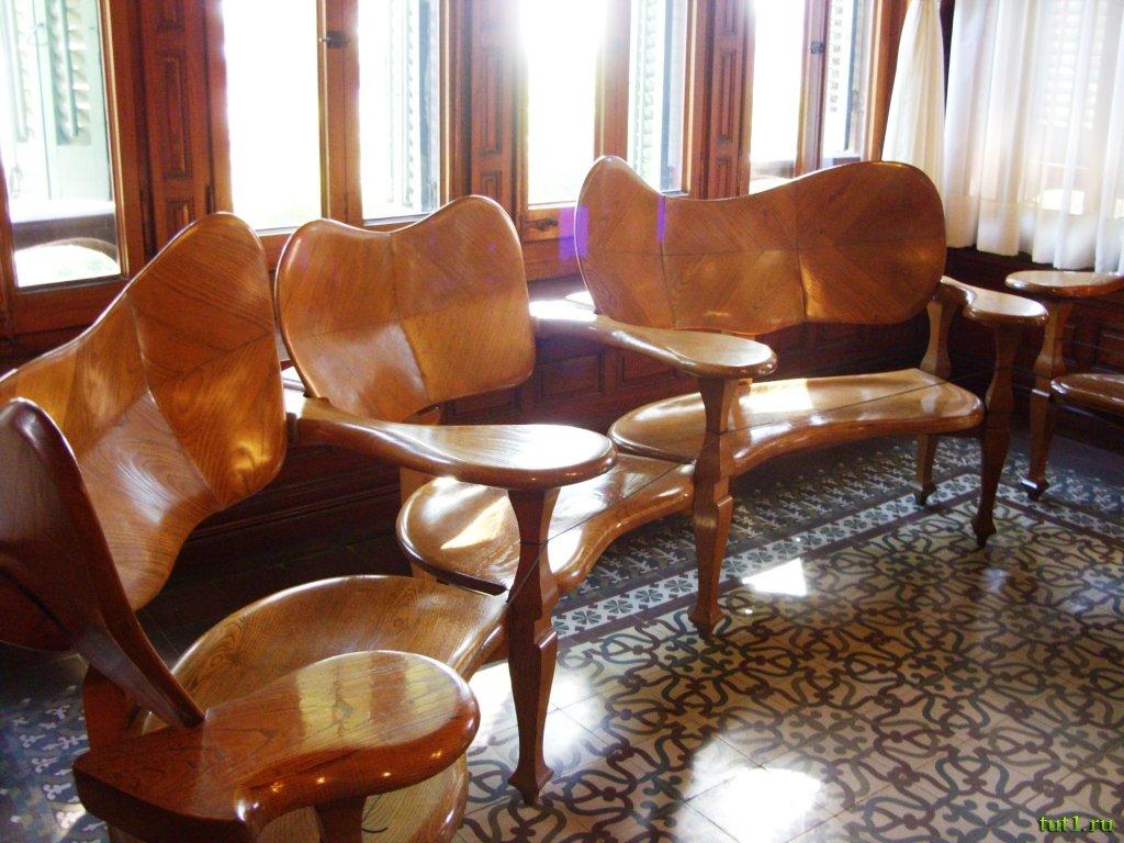 Мебель в доме-музее Гауди