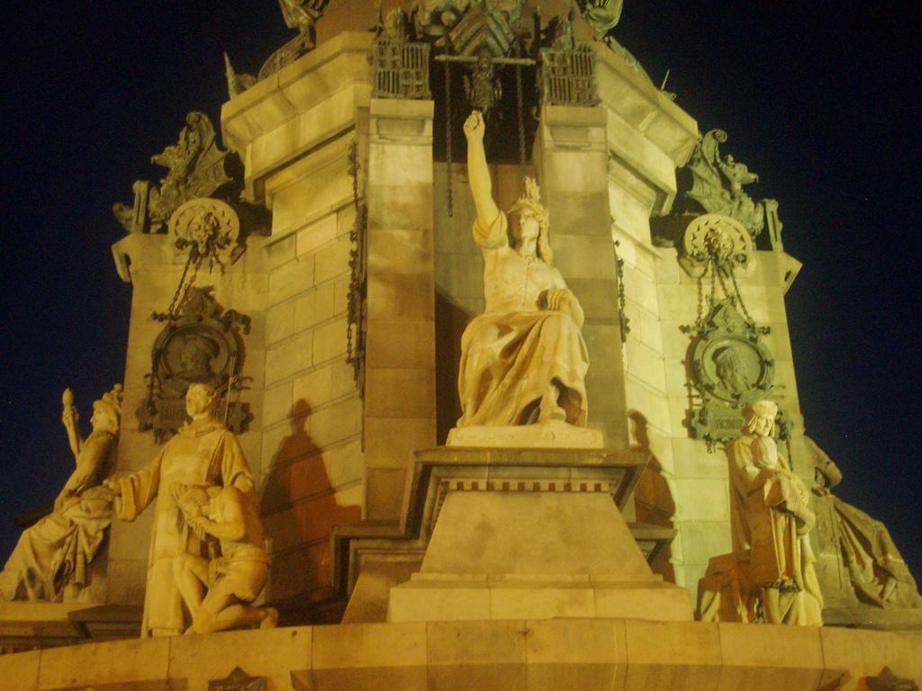 Памятник Колумбу 2