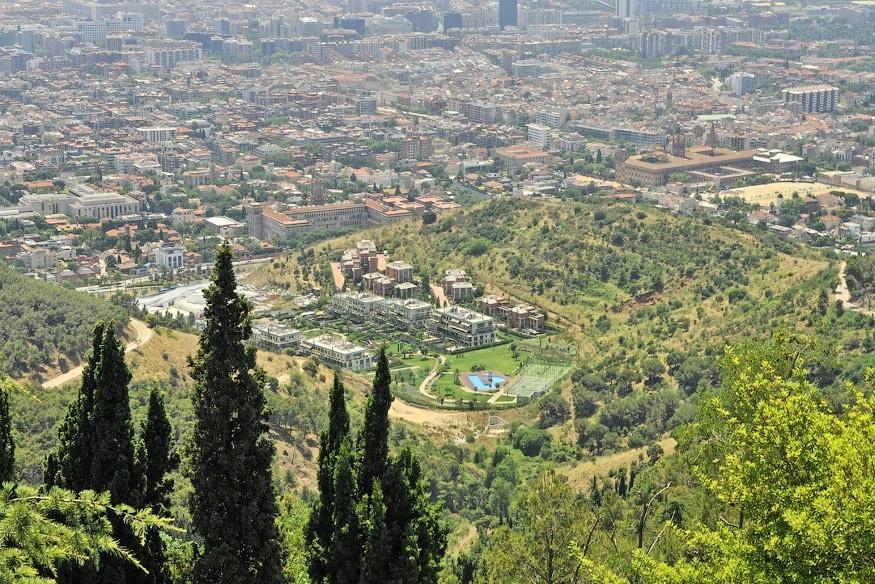 гора в Барселоне