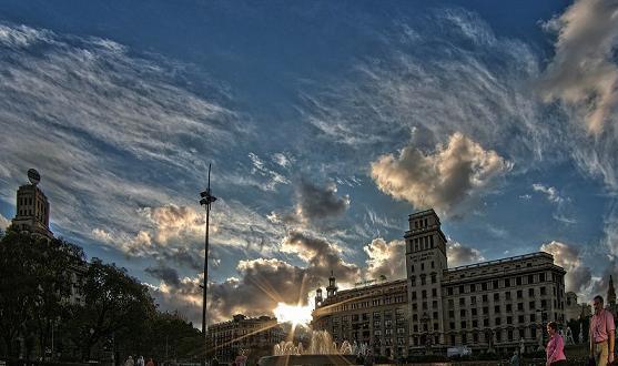 Фотография прекрасной площади Каталонии