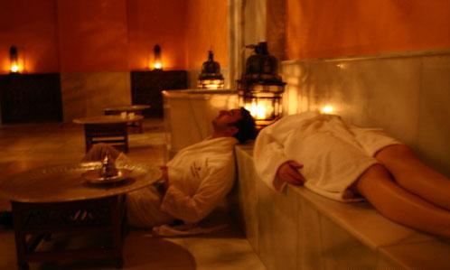чайная комната в арабских банях Севильи