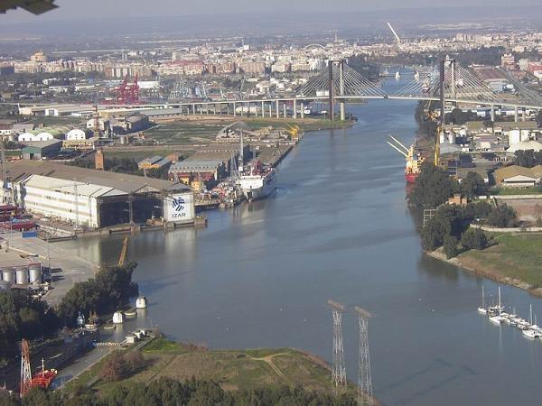 Фото порта Севильи
