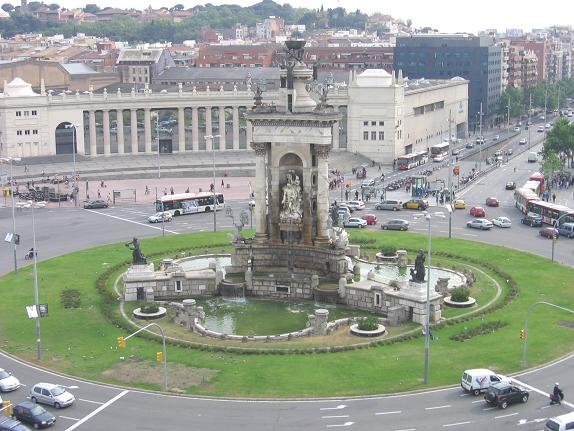 Фото статуи на площади Испании