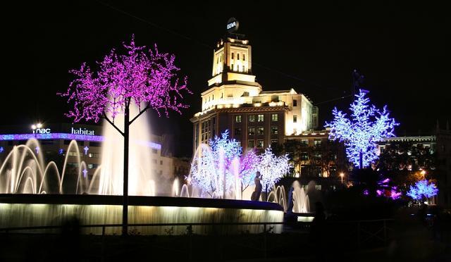 Placa de Catalunya Barcelona ночное фото