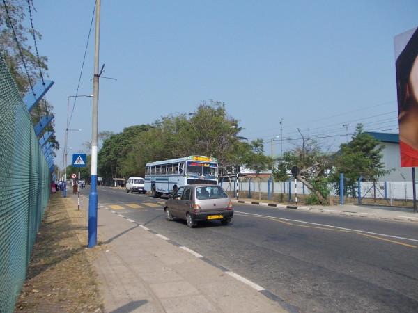 Жзнь Шри-Ланки, дорожное движение